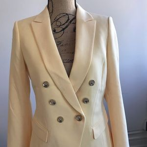 Beautiful yellow blazer fully lined new with tags